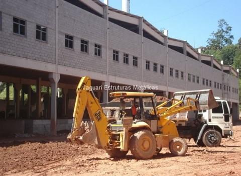 Perfil para instalação de telhado na Construtora Masa